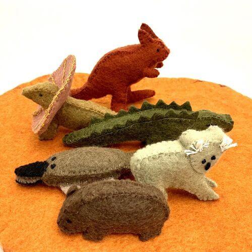 auusie animals on mat by papoose felt