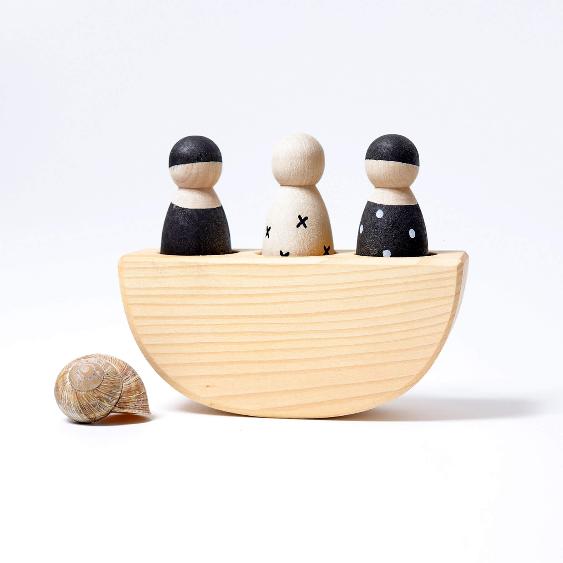 Grimms three friends in a boat
